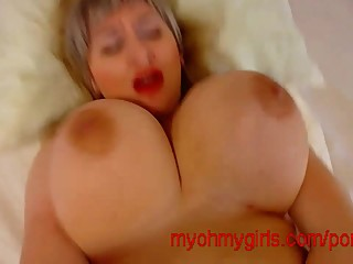 iwant big cock come over my big boobs..
