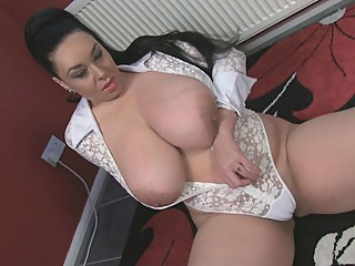 Anastasia Lux Juggs & Cunt Fun