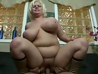 Hot Chubby Mommy