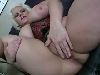 Hot Chubby Mommy