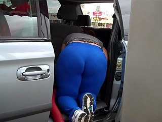Soccer Mom Huge Ass VPL Car Wash Candid..